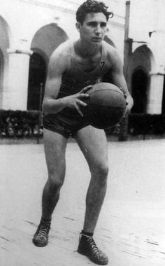 Fidel Castro playing basketball